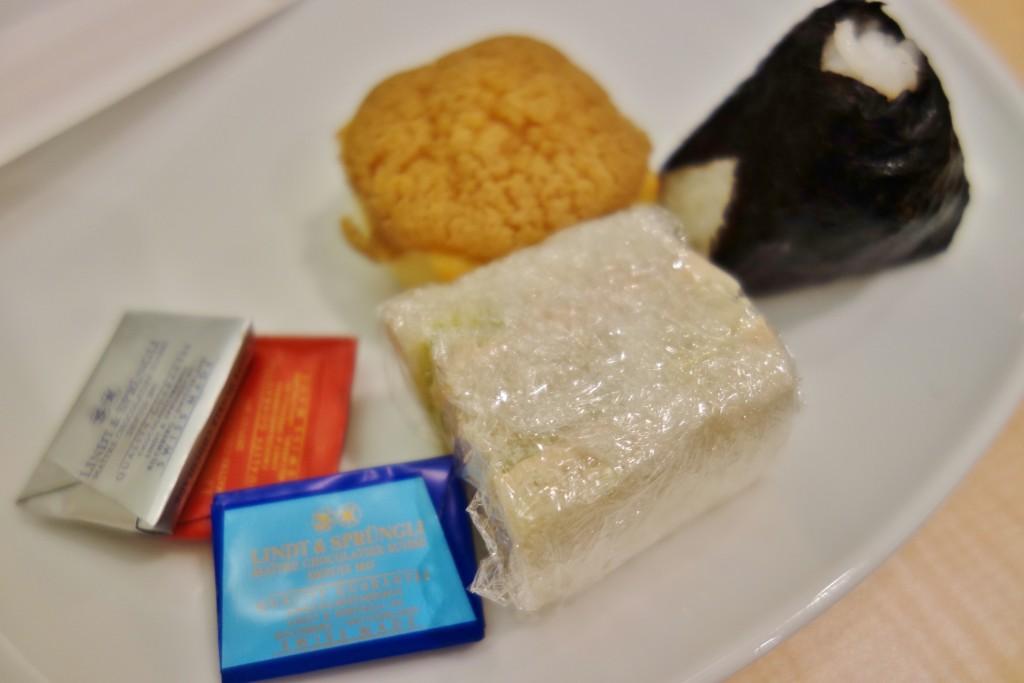 ANAラウンジの軽食