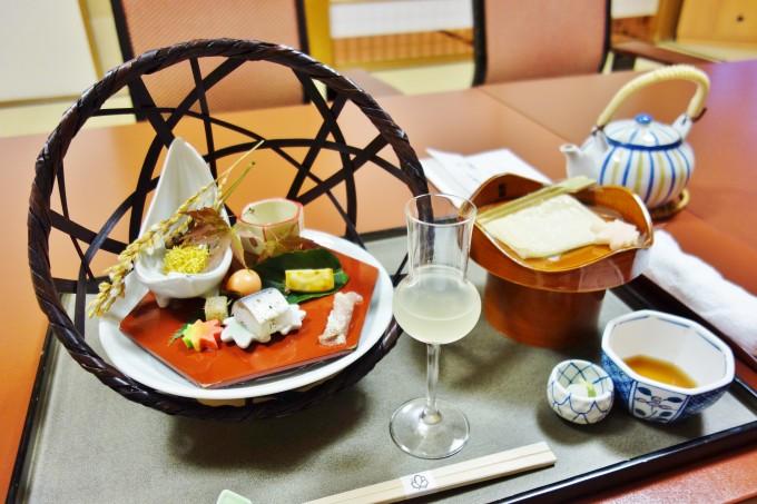 山翠楼の夕食(前菜)