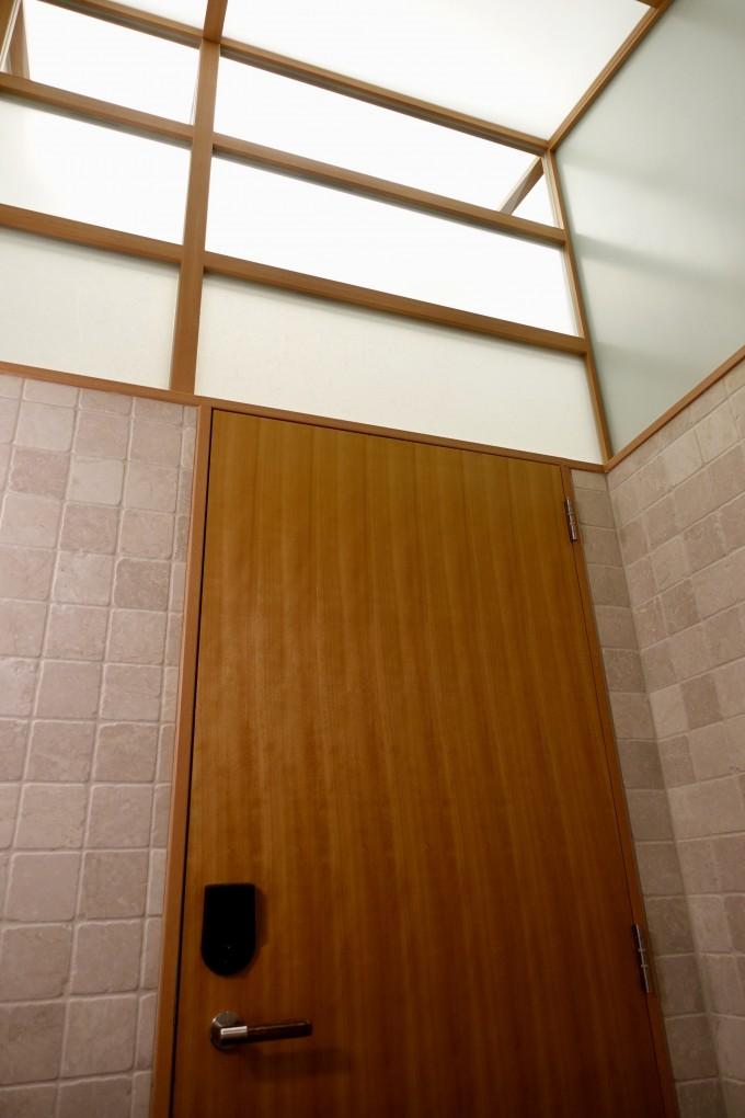 シャワー室上部