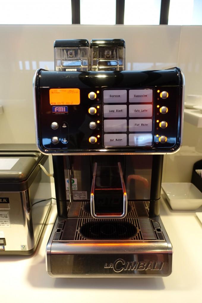 カンタス航空ラウンジコーヒーメーカー
