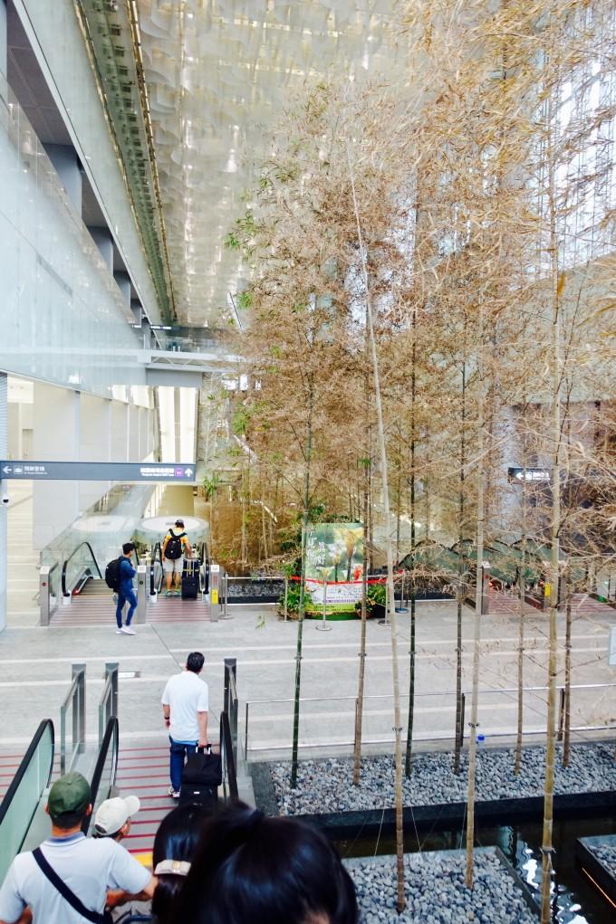 桃園メトロ台北駅