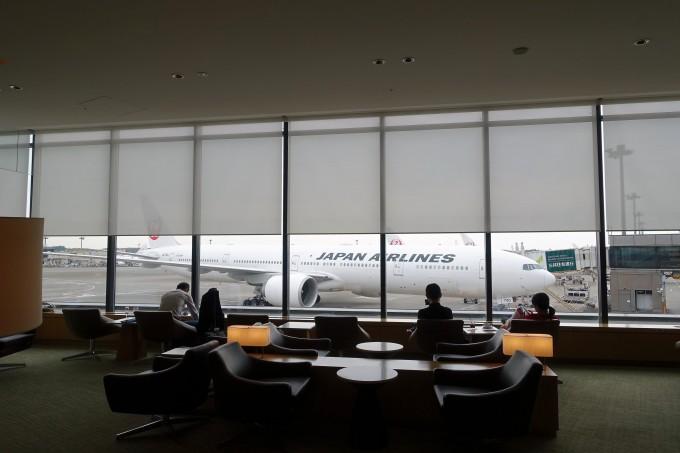 成田空港JALサクララウンジ