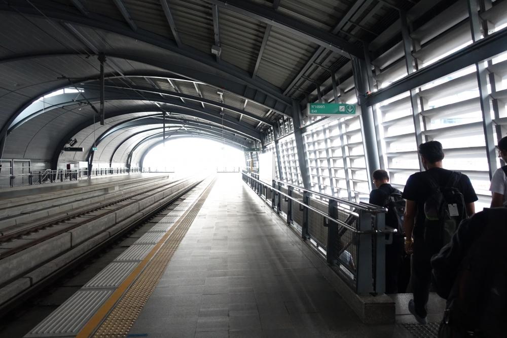 パヤータイ駅のホーム