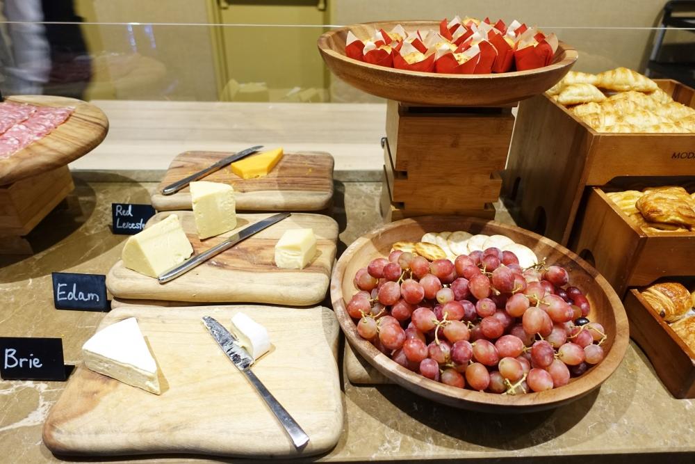 DSC02290シドニーマリオット エグゼクティブランジ チーズ