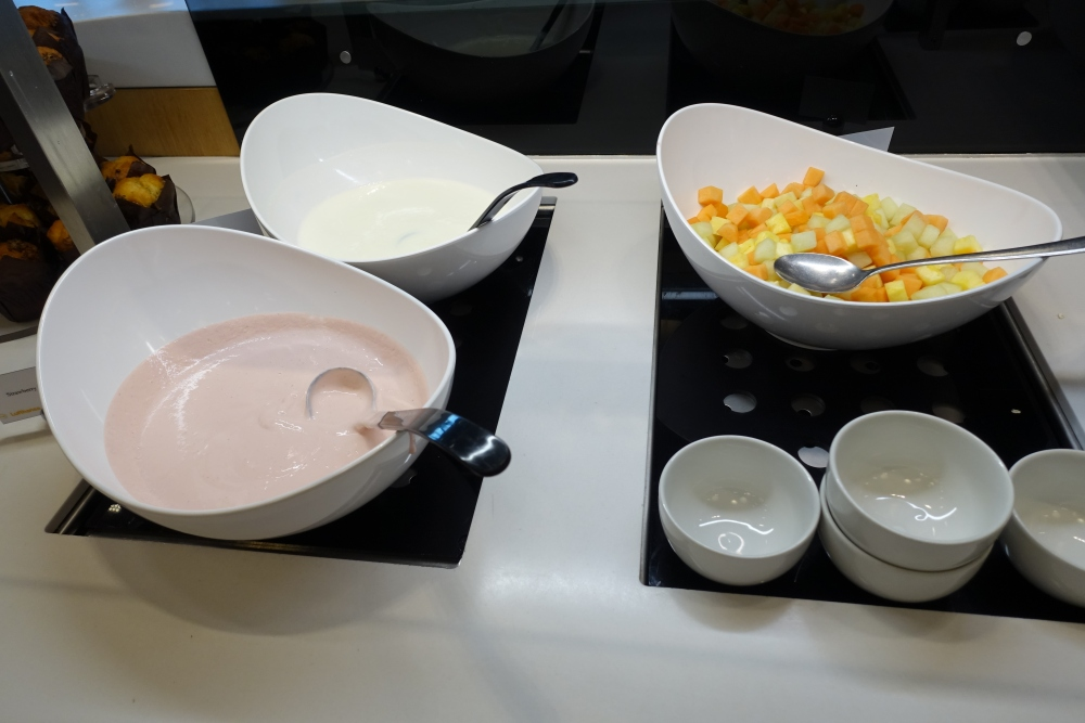 ルフトハンザ ビジネスラウンジ 朝食コーナー