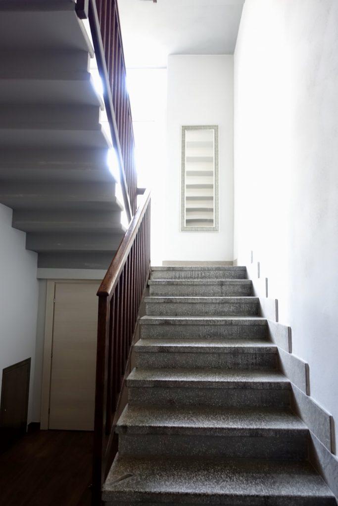 la viscontina 階段