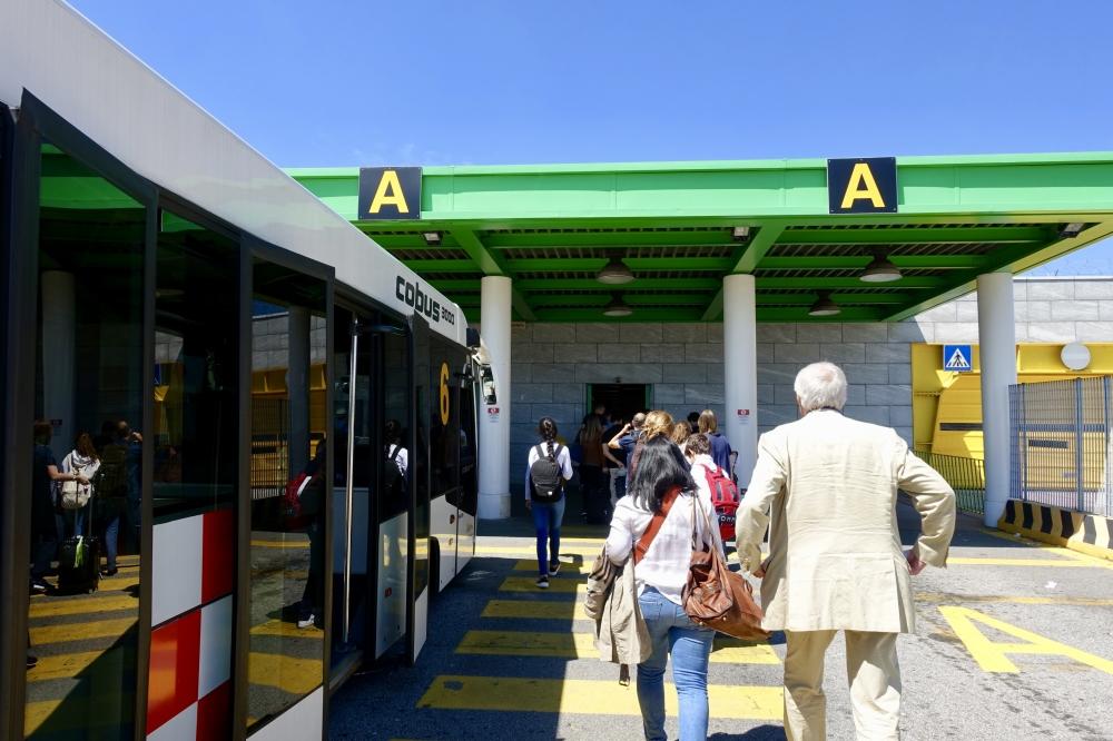 ミラノ・リナーテ空港 ターミナル入口