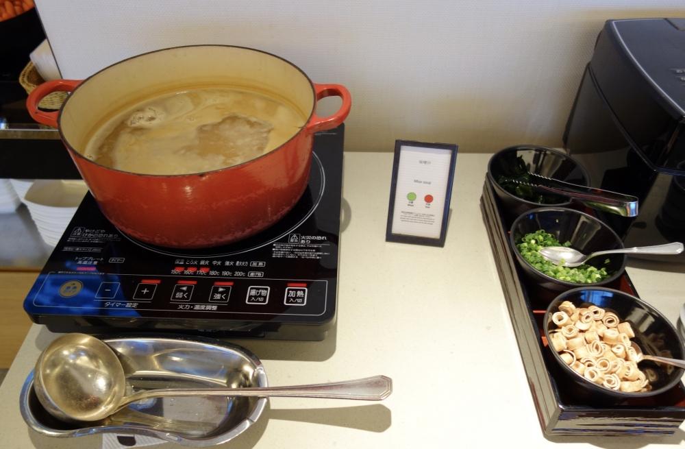 ヒルトン福岡シーホーク エグゼクティブラウンジ 味噌汁