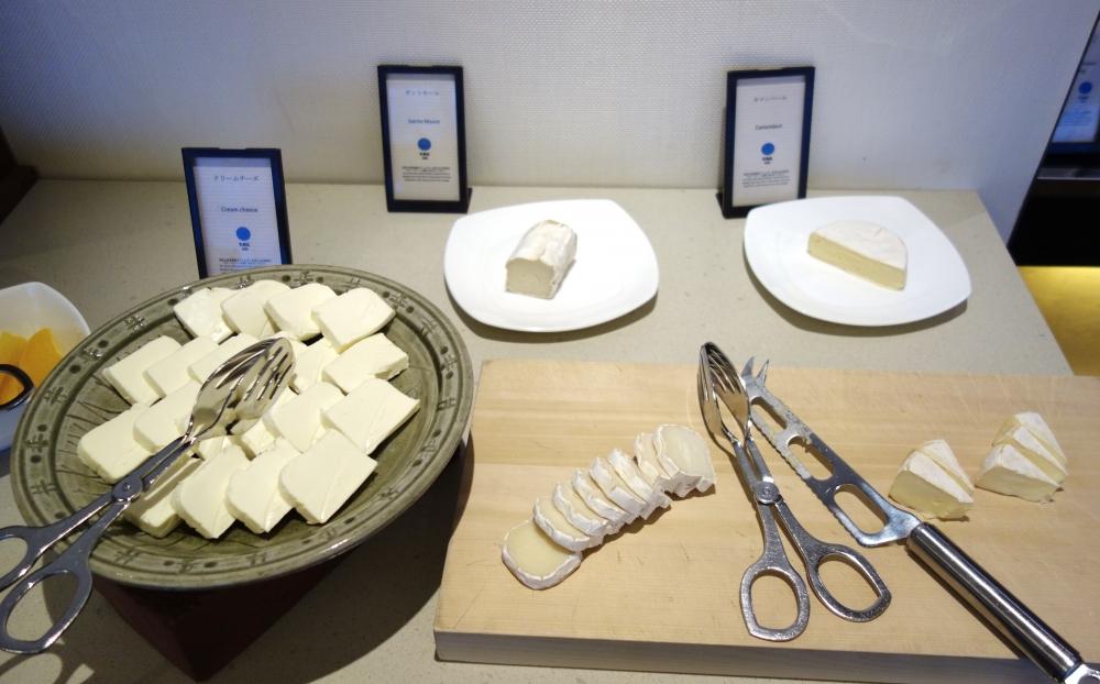 ヒルトン福岡シーホーク エグゼクティブラウンジ 朝食チーズ