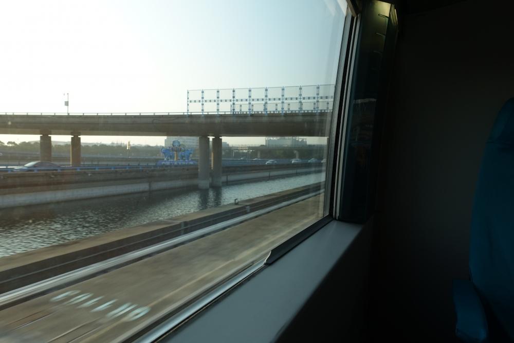 maglev窓の外
