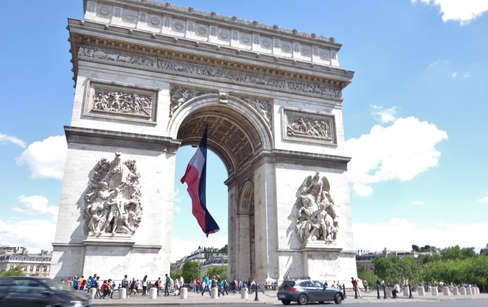 カタール航空でパリへ