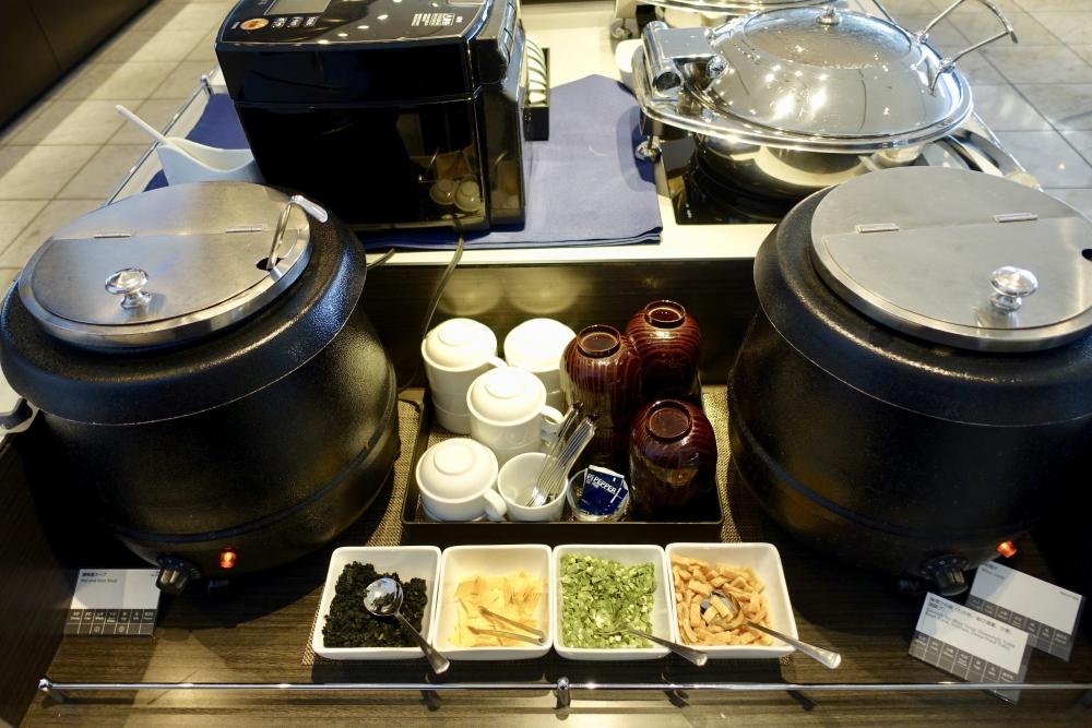 成田空港第1ターミナル 第5サテライト ANAスイートラウンジ 味噌汁