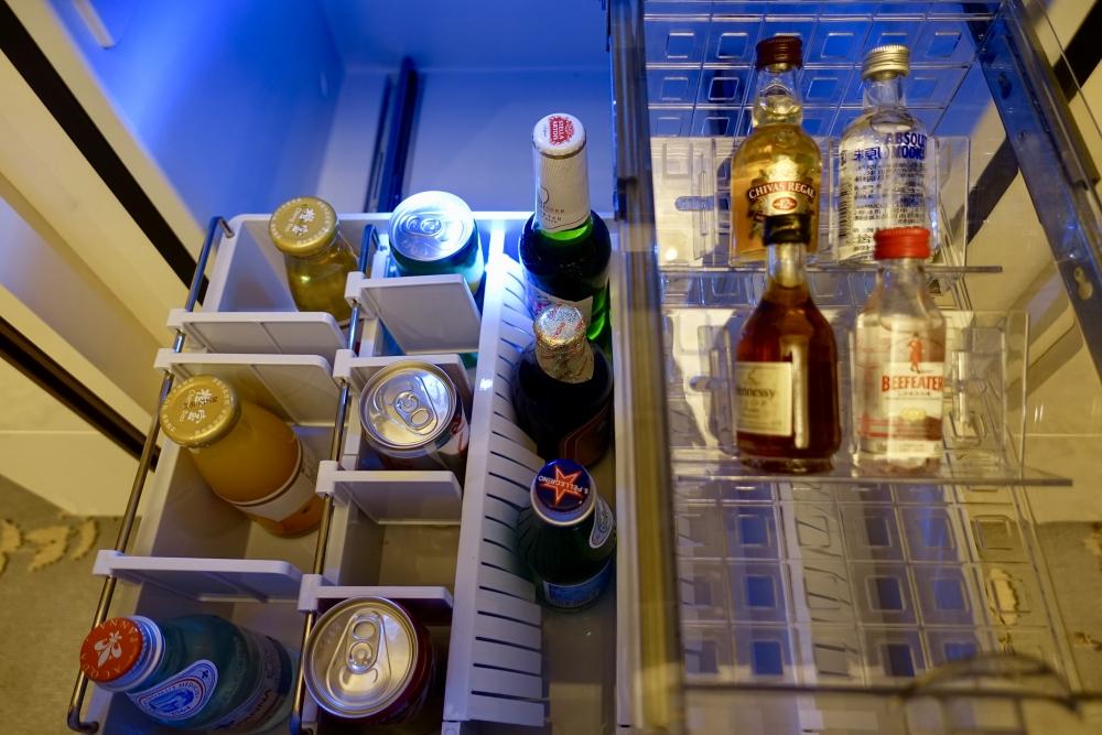 セントレジス上海静安 カロラインアスタースイート 冷蔵庫