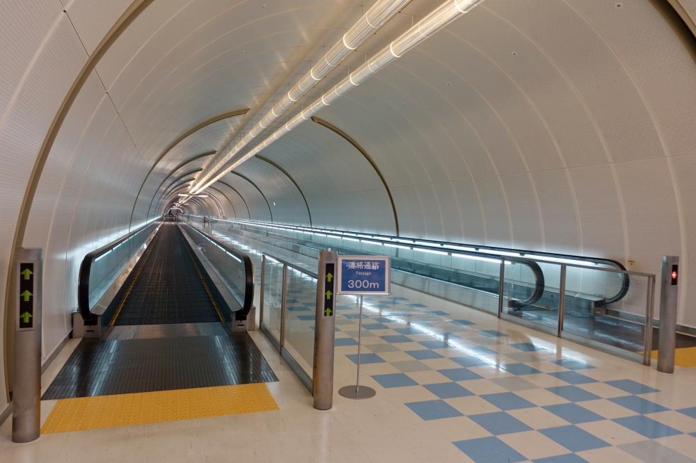 成田空港第1ターミナル 第4・第5サテライト連絡通路