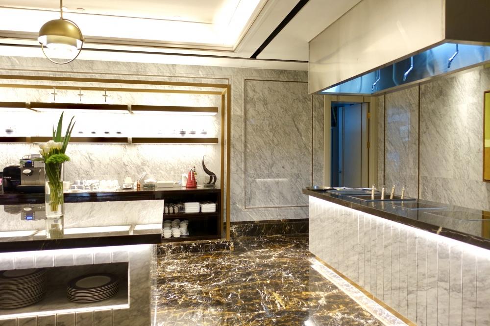 セントレジス上海静安の55階ラウンジ(ザ・クラブ)キッチン