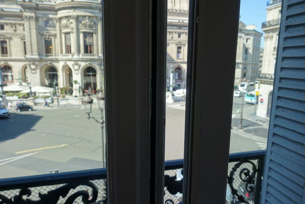 Wパリ スペクタキュラールーム 窓は開かず