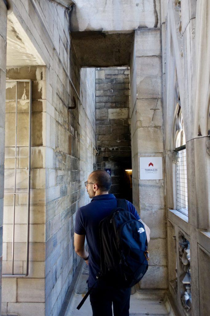 ミラノ ドゥオモ エレベーターでテラスへ