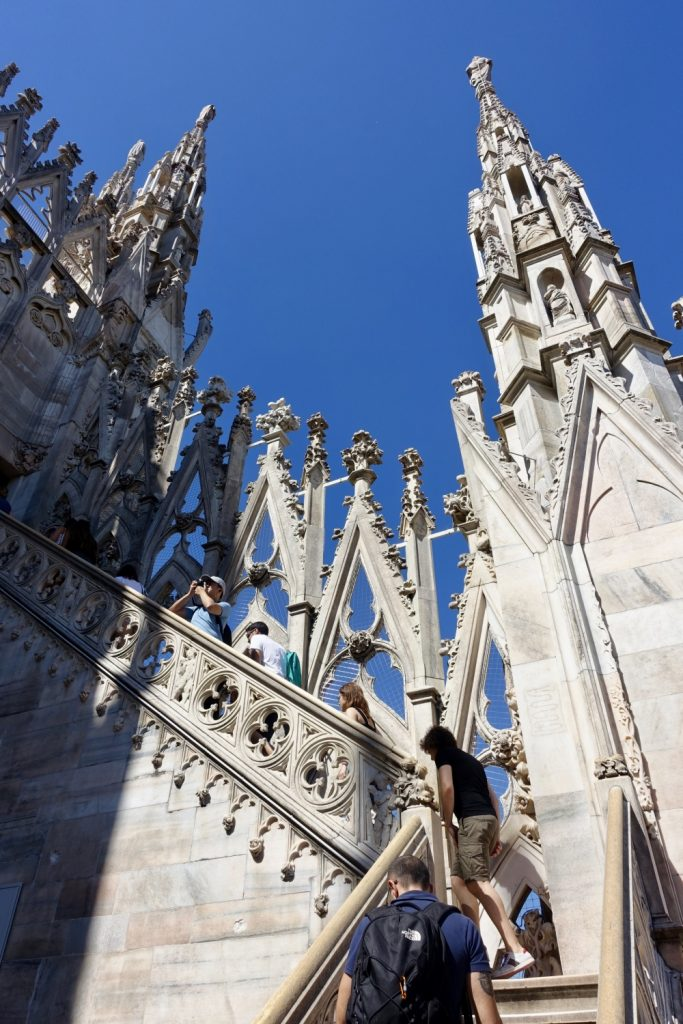 ミラノ ドゥオモ 階段で屋上へ