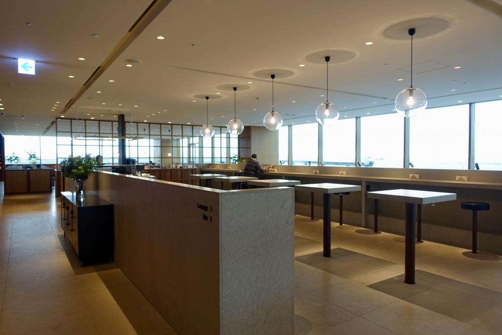 羽田空港国際線ターミナル キャセイパシフィック航空ラウンジ カウンター
