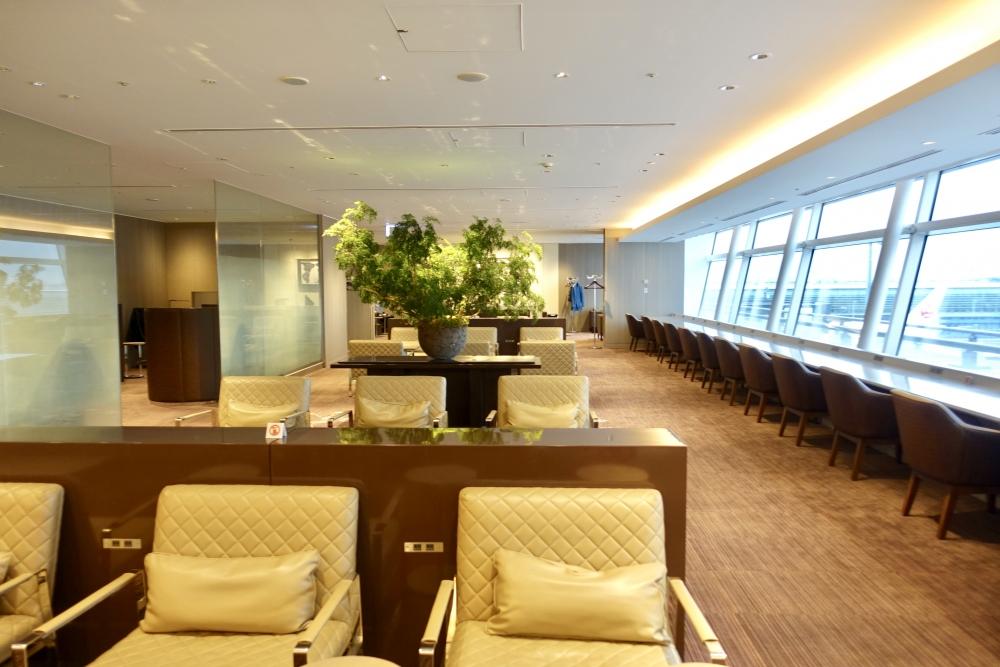 羽田空港国際線ターミナル JALファーストクラスラウンジ シーティングエリア