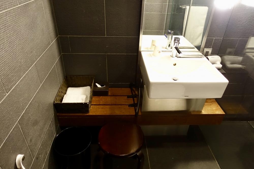 羽田空港国際線ターミナル JALファーストクラスラウンジ シャワー室アメニティ