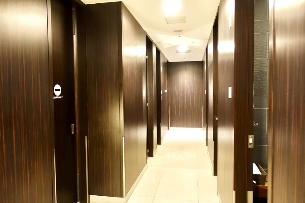 羽田空港国際線ターミナル JALファーストクラスラウンジ シャワー室は全部で5室