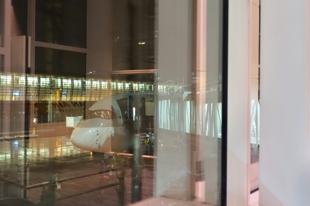 カタール航空 羽田発ドーハ行き A350-900