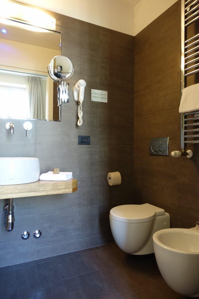 ミラノ・ビオシティ・シングルルームのバスルーム