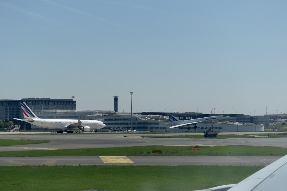 シャルル・ド・ゴール国際空港に着陸
