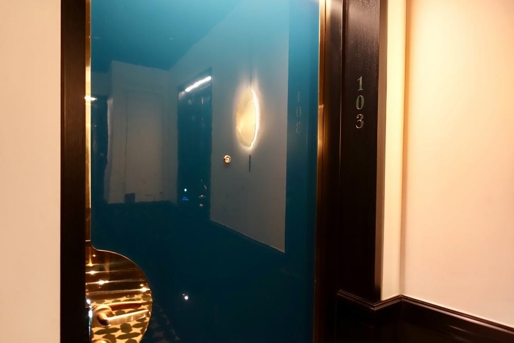 パリ・ル・ロックホテルアンドスパ103号室インダルジェンススイートのお部屋