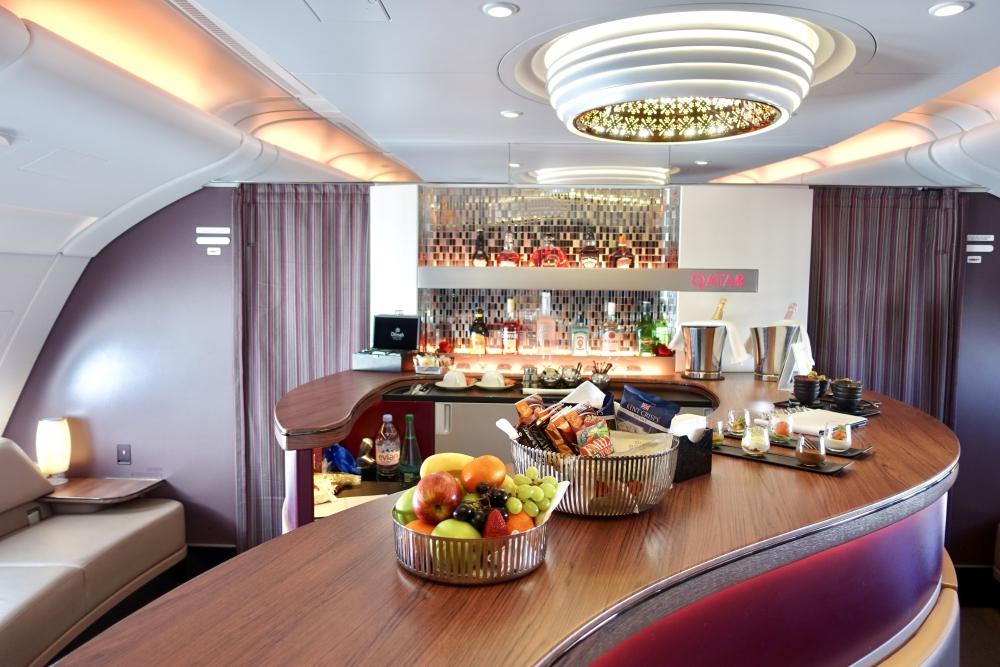 天空のバーラウンジ!カタール航空ビジネスクラス搭乗記A380~ドーハ→パリQR39便