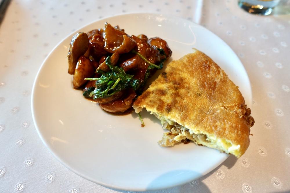 台北101 欣葉食藝軒 地鶏の三杯ソース炒めと玉子焼き