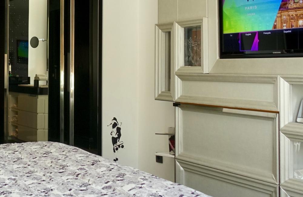 Wパリ スペクタキュラールーム エミリー・フォーゴットが描いたキャラクター