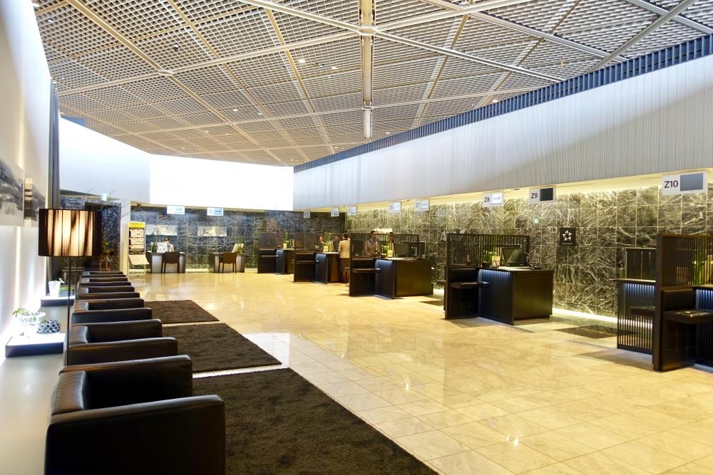 成田空港第1ターミナルZ屋敷の内部を奥から見た図