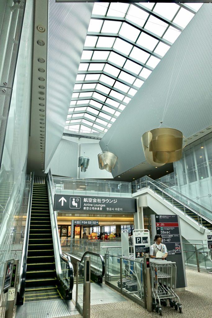成田空港第1ターミナル第4サテライトANAラウンジ入口