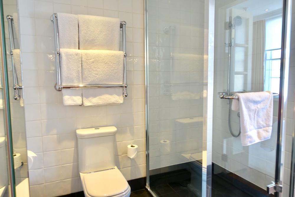 グレートノーザンホテル・キュービットルームバスルーム