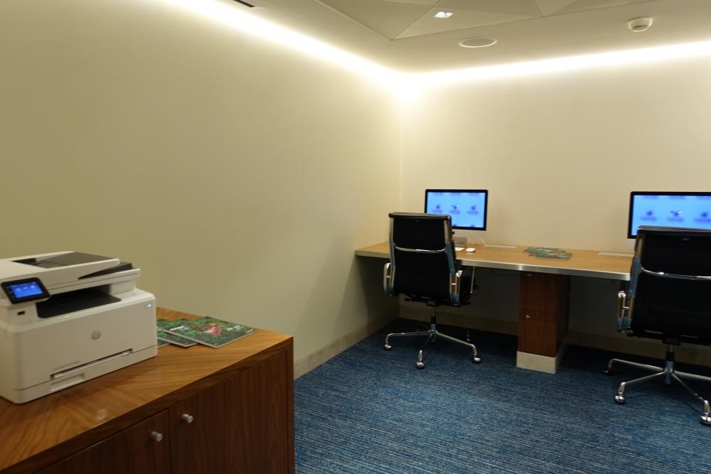 シャルル・ド・ゴール国際空港カタール航空プレミアムビジネスラウンジ・ビジネスセンター