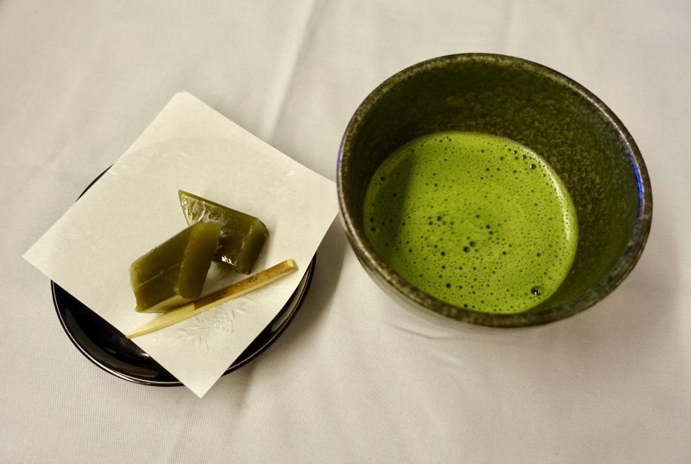 ANAファーストクラス機内食茶菓子