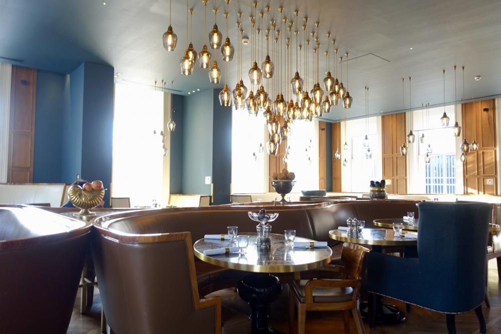 ロンドン・グレートノーザンホテル朝食会場:PLUM&SPILT MILK店内の様子