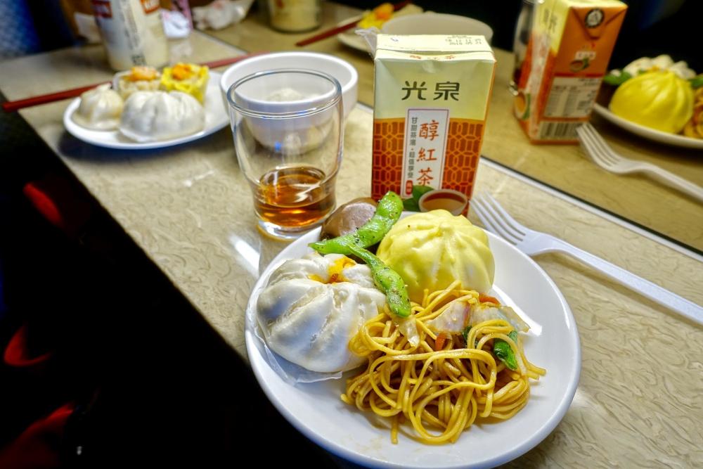 台北松山国際空港VIPラウンジ・飲食