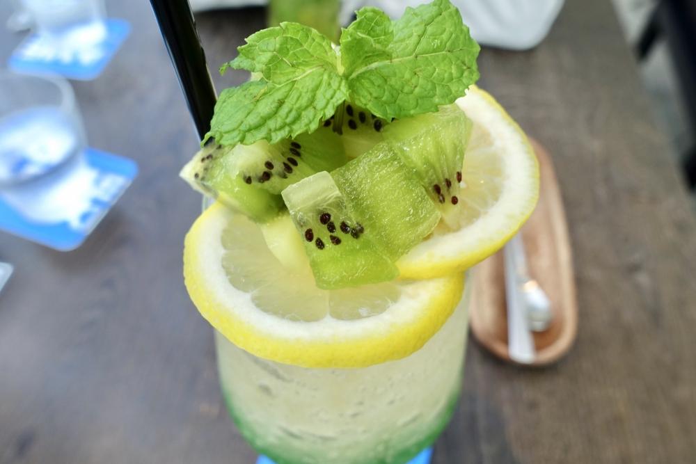 THE GREEN Cafe American Express(数寄屋橋茶房)キウイとレモンのミントジンジャーエール