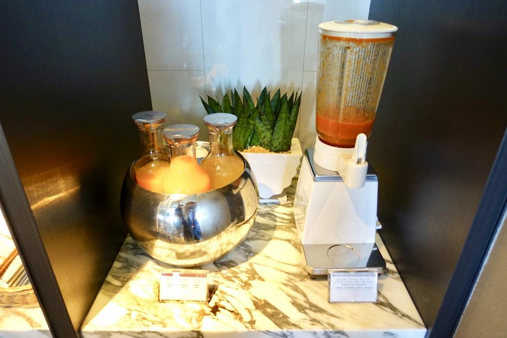 ザ・プリンスパークタワー東京プレミアムクラブラウンジ朝食ジュース