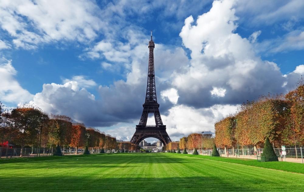 ANA特典航空券で娘とパリへ!