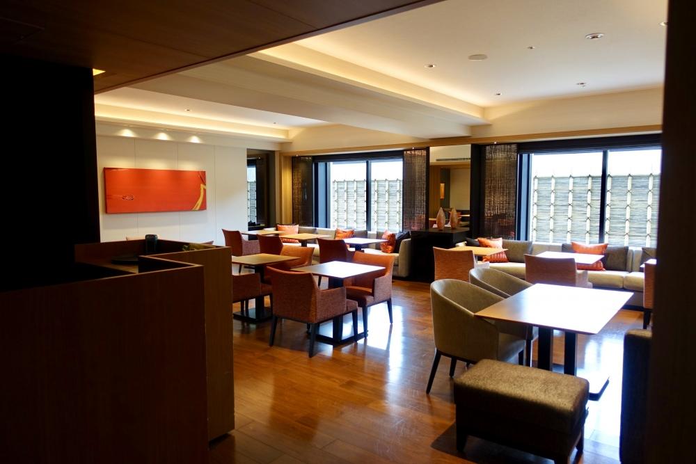 シェラトン都ホテル東京クラブラウンジテーブル席