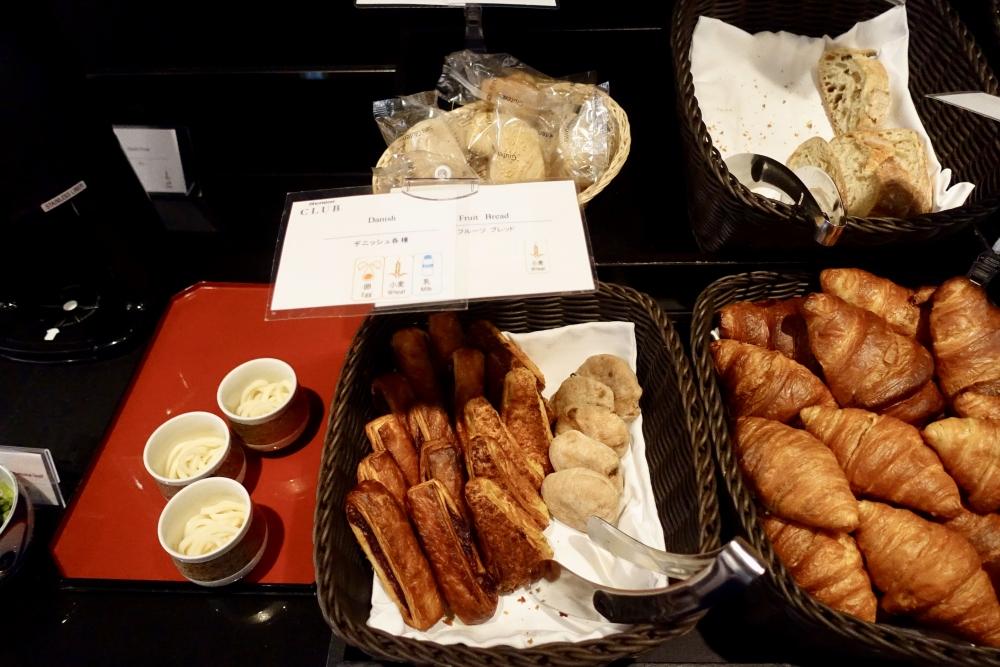 シェラトン都ホテル東京クラブラウンジ朝食パン
