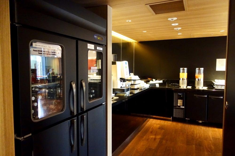 シェラトン都ホテル東京クラブラウンジドリンクバー冷蔵庫