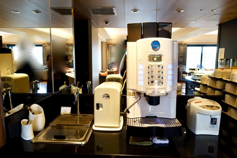 シェラトン都ホテル東京クラブラウンジドリンクバーコーヒーマシーン