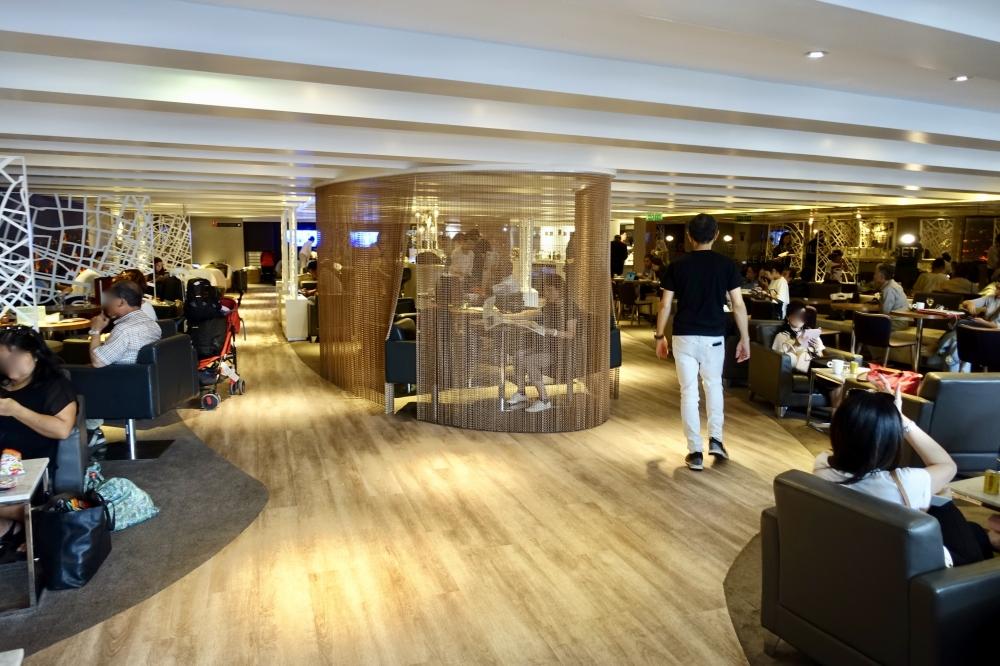シャルル・ド・ゴール国際空港スターアライアンスラウンジ内部の様子