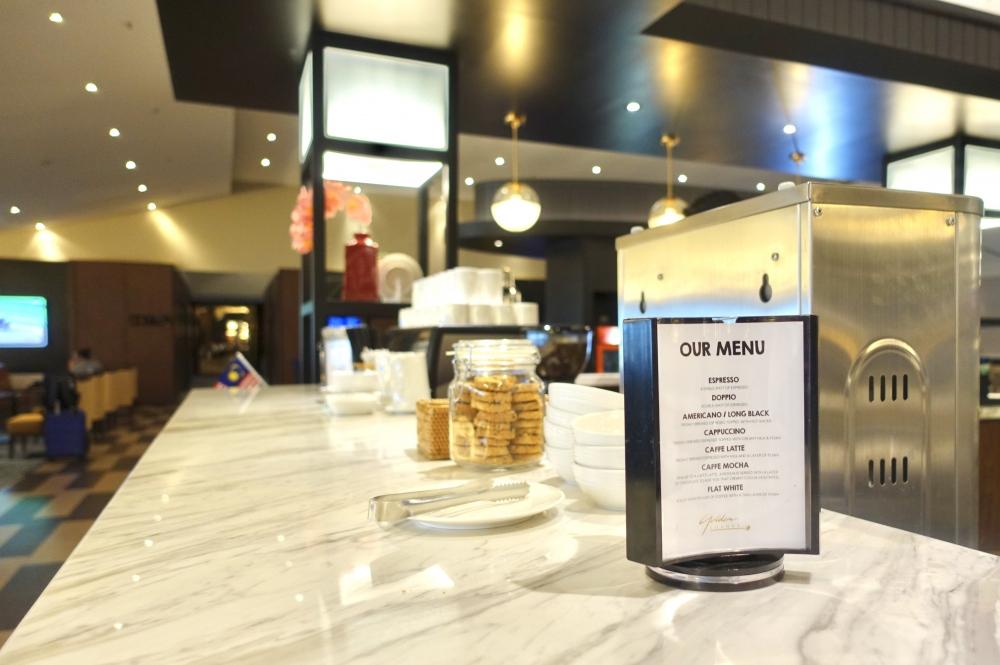 マレーシア航空ゴールデンラウンジコーヒーカウンター
