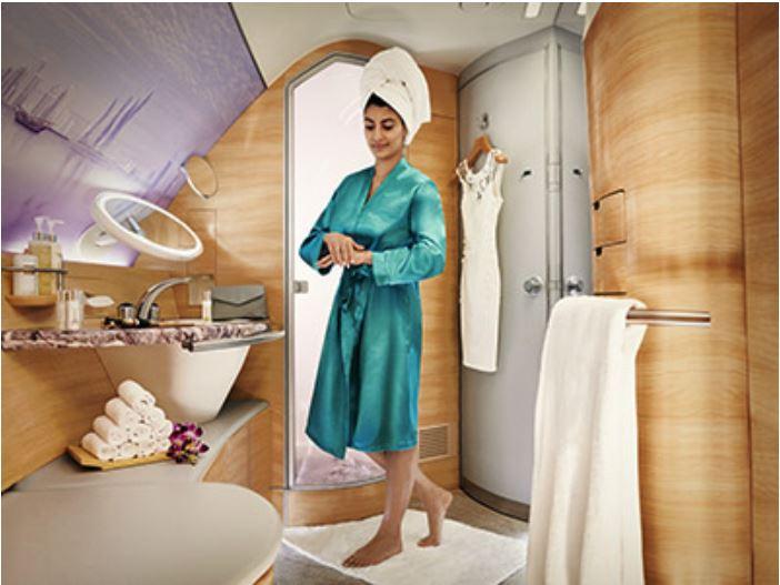 エミレーツ航空機内シャワー